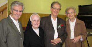 Complices de longue date, ces quatre religieuses des Sœurs de la Charité de Québec se retrouveront à la Maison Généralice de Beauport. On reconnaît sœur Claudette Laliberté et sœur Yolande Roy, toutes deux natives de Saint-Anselme, sœur Suzanne Boudreau et sœur Lise Boudreau. SG